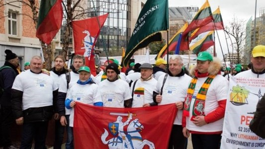 Baltic farmers protesting in Brussels